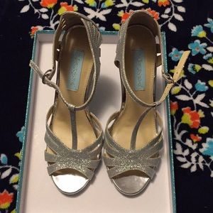 Silver sparkle Betsey Johnson heels
